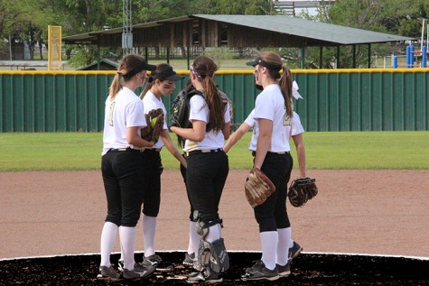 Ladycats begin district with 1 loss