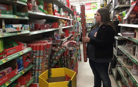 Online vs. in-store shopping causes discussion among students, faculty