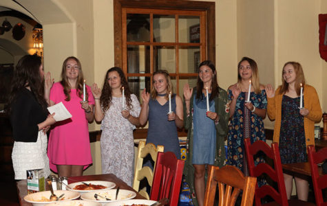 Quill and Scroll society hosts induction ceremony